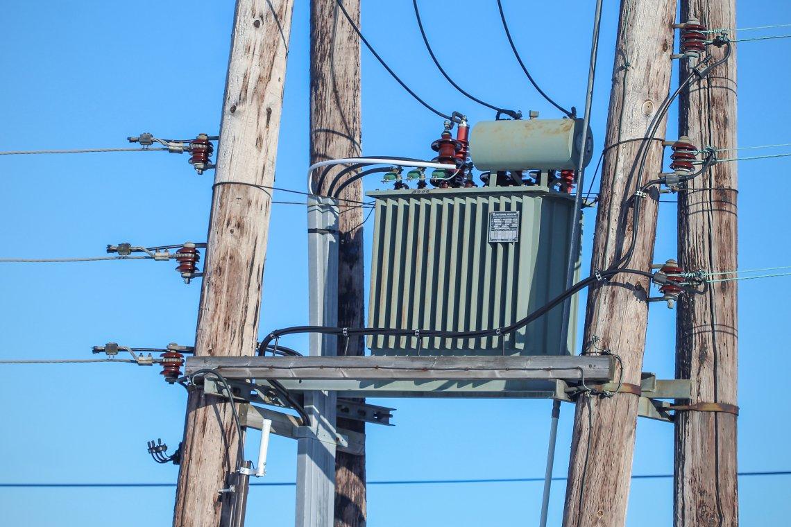 Ny rapport advarer mot høyere strømrpiser og massivt tap av arbeidsplasser: Uakseptabelt, mener Senterpartiet