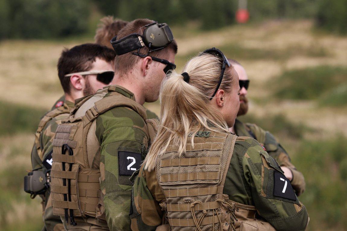 Regjeringen nedprioriterer Forsvaret