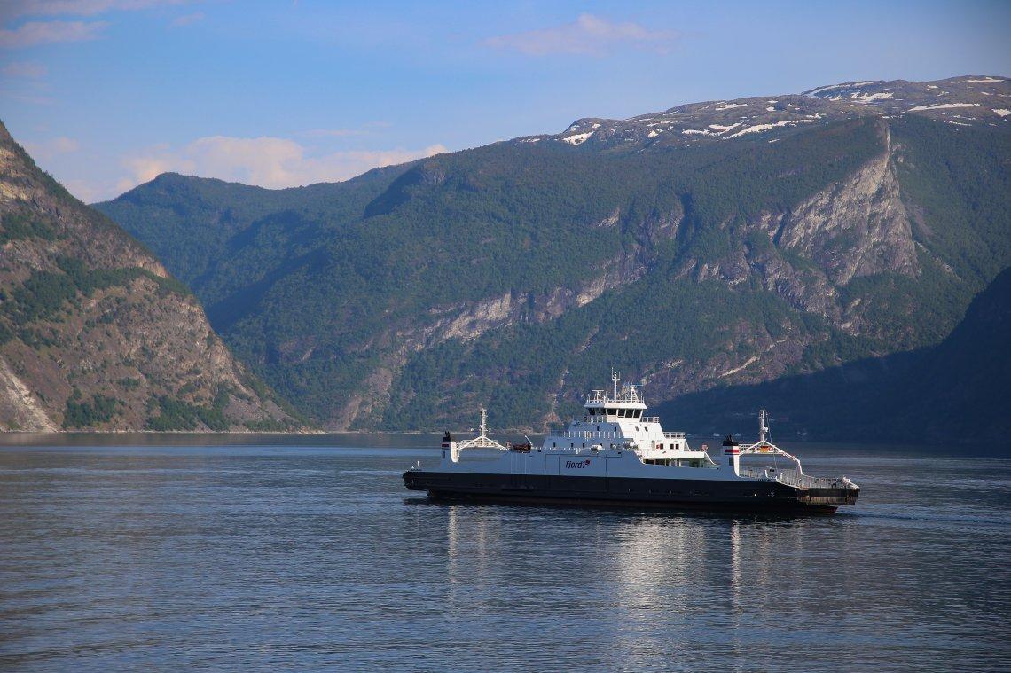 Senterpartiet i spissen for mer penger til båt og ferje