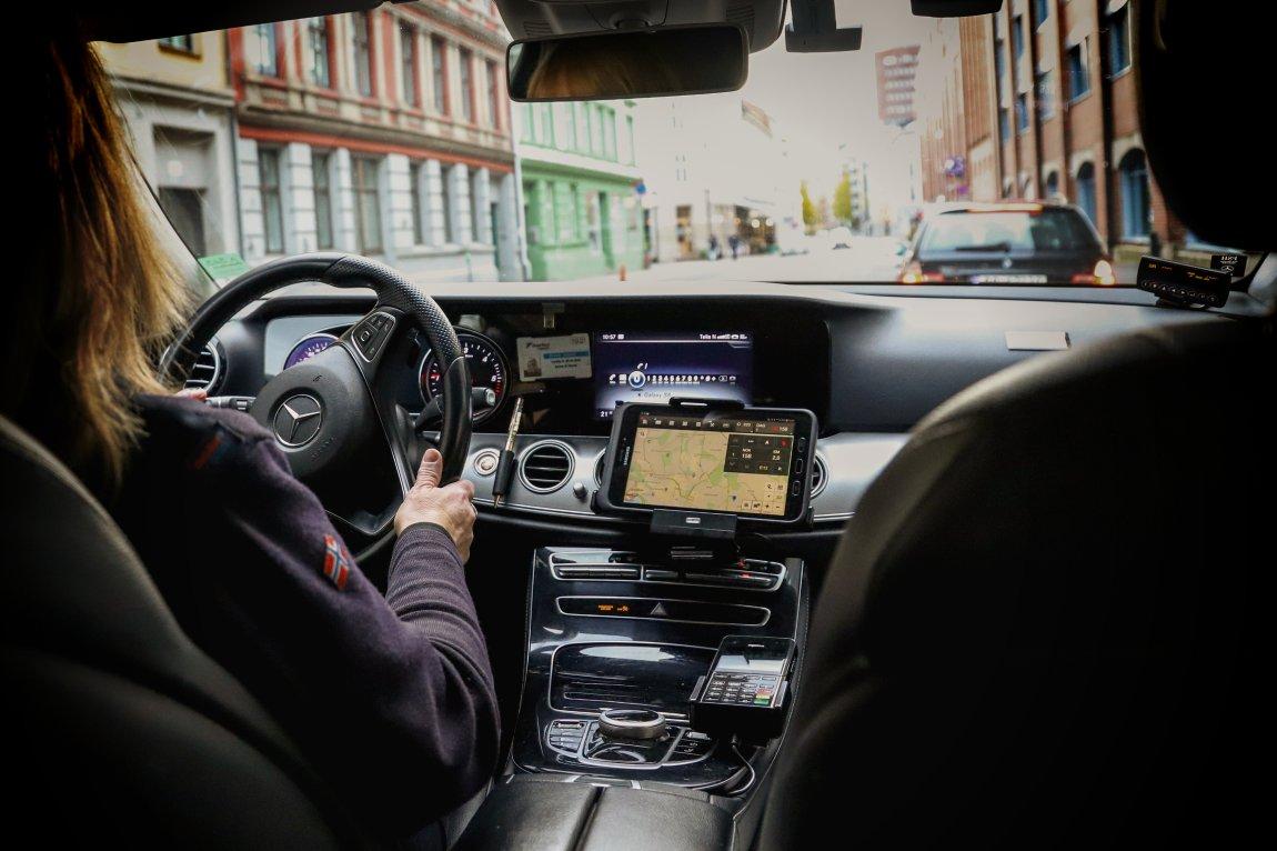 Sp utfordrer Hareide om taxi-liberalisering