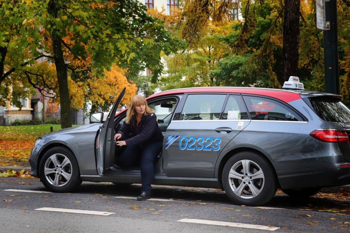 2020 Anne Hove, Norges Taxiforbund, på jobb i Oslo