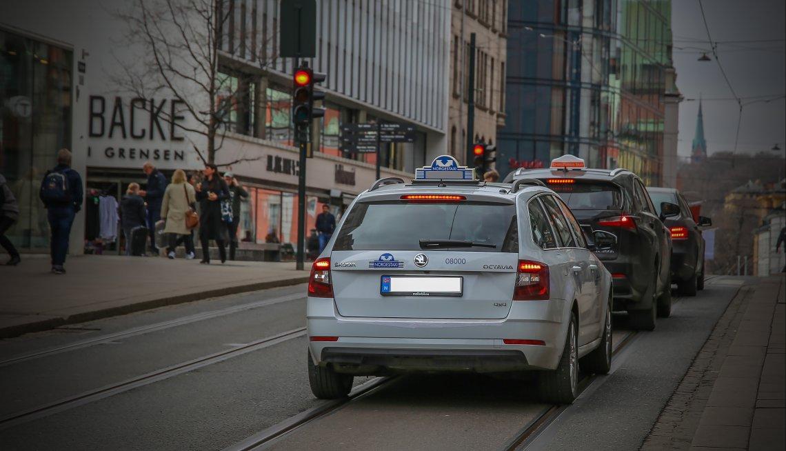 Vil regjeringa knekke ryggen på norsk taxinæring?
