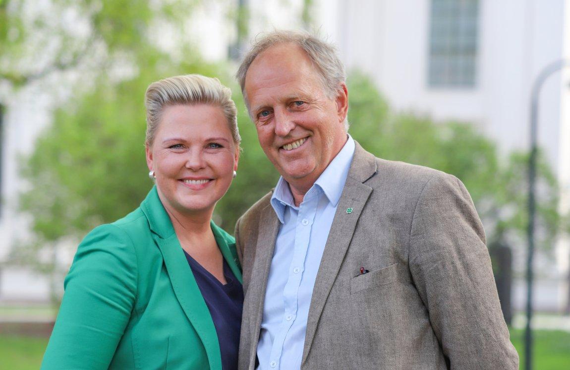 2019 Anne Beathe Kristiansen Tvinnereim og Olav Skinnes. Valgkampbilde for fylkestingsvalget 2019