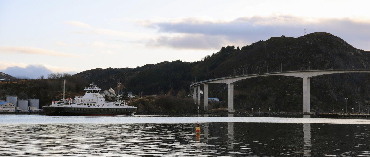 2019 - Ferge og bro, Måløy, Sogn og Fjordane