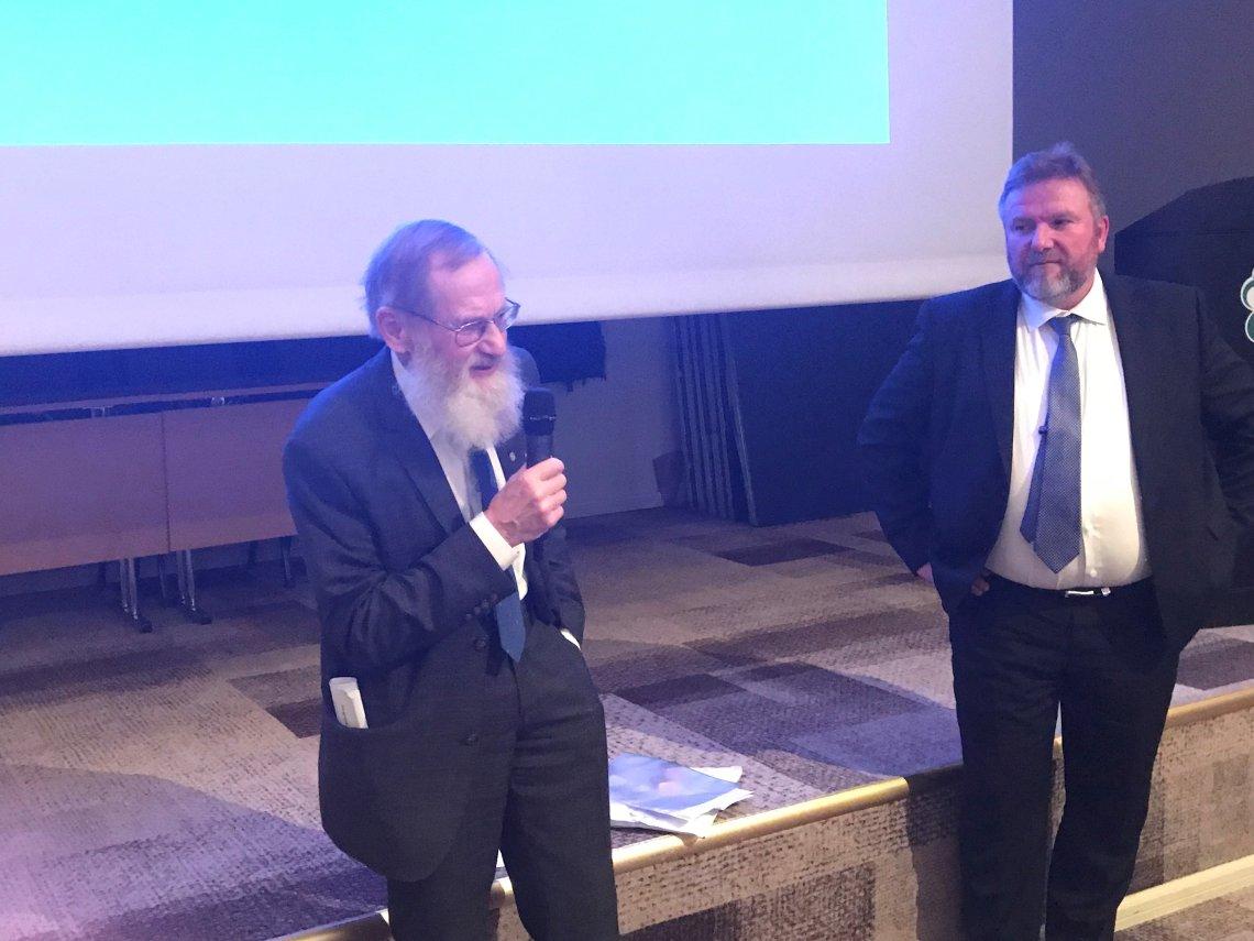 Velsand tildelt Senterpartiets hedersmerke